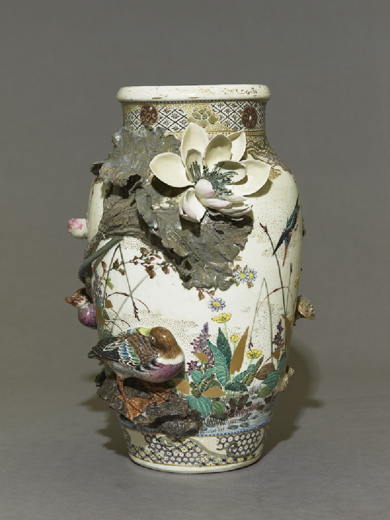 Satsuma style vase with lotus plants and ducks (EA2008.65, side           )