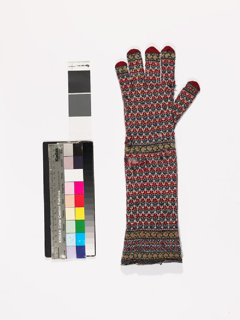 Long knitted glove (EAX.2479.b, side            )