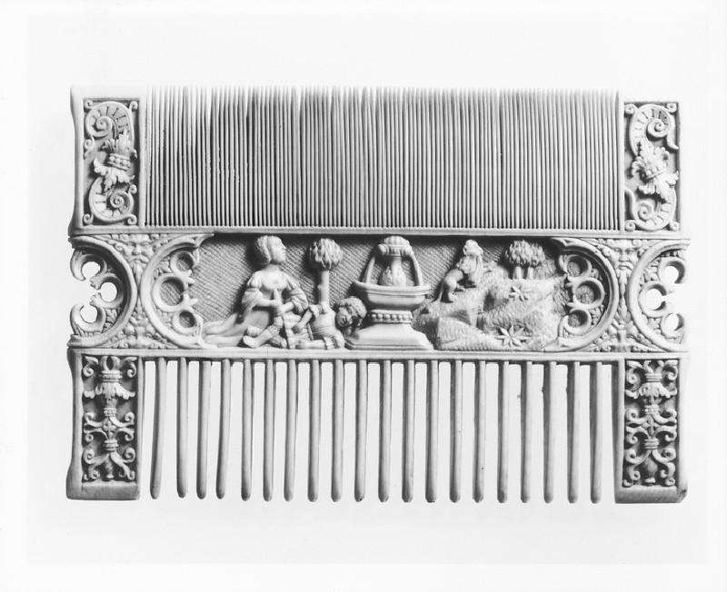 Decorated Comb